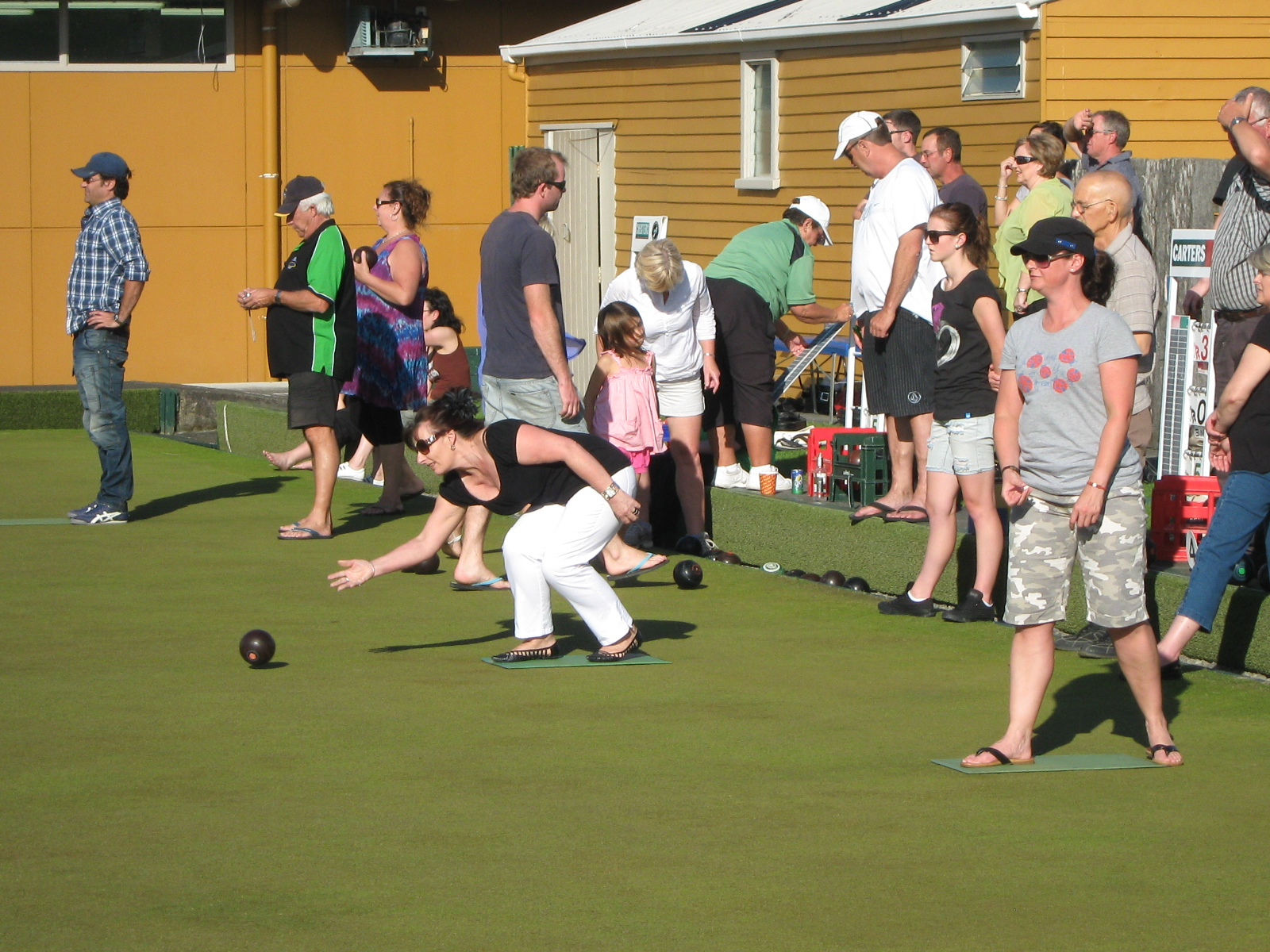 how to win at lawn bowls